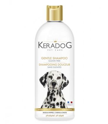Sanftes Shampoo ohne Sulfate wurde für Hunde